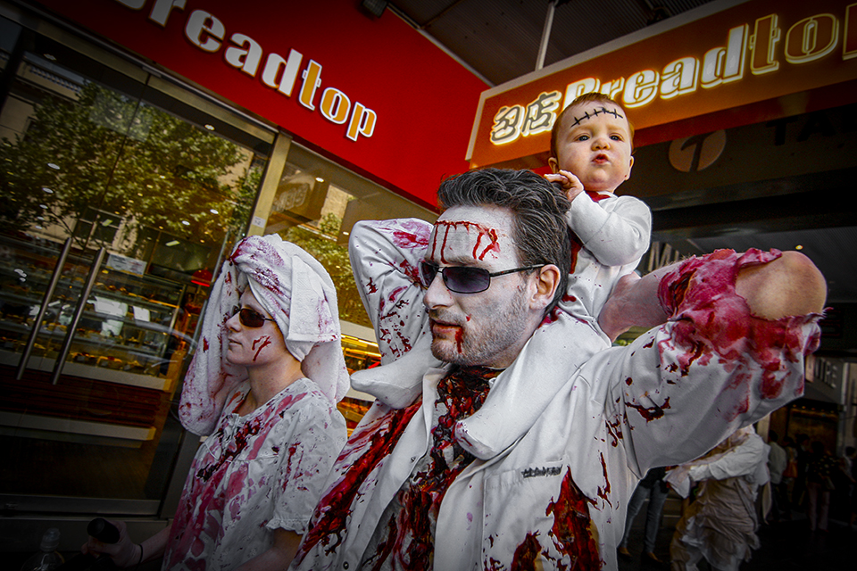 Zombie Family took part in the parade as well. I like the zombie baby. Zombie_shuffle_2012_Photography_lebin_photo_Your_event_wedding_photographer_Melbourne_Malaysia_01